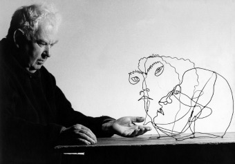 alexander calder, calder, exposition, exhibition, washington, national portrait gallery, biographie, parcours interview, tennis, steinberg, sartre, photo, photos, image, images, portrait, portraits