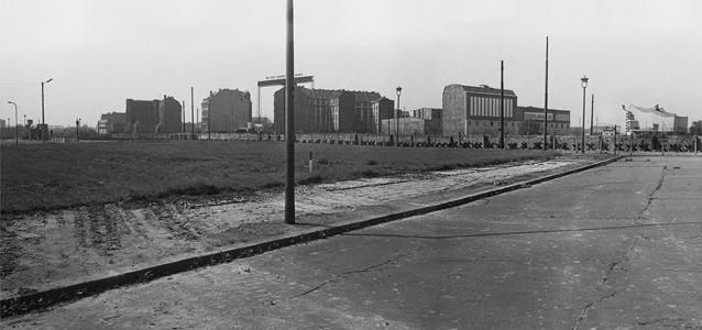 Berlin, Mur de Berlin, séparation, zone doccupation, Annett Grschner, Arwed Messmer, RDA, RFA, de l`autre côté, exposition, aix, aix-en-provence, provence, de l`autre côté, autre, côté, mur, photo