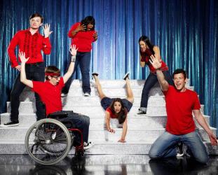 Glee, série, Ian Brennan, Brad Falchuk, Ryan Murphy, Dianna Agron, Chris Colfer, Jessalyn Gilsig, Jane Lynch, Jayma Mays, Kevin McHale, Lea Michele, comédie musicale, musical, madonna, cover, reprise