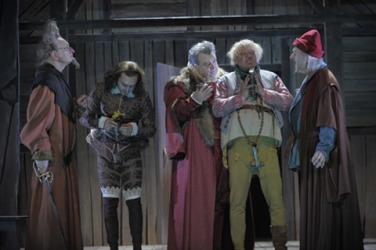 les joyeuses commères de Windsor, William Shakespeare, Théâtre, Comédie Française, Andrés Lima, Catherine Hiegel, Thierry Hancisse, farce, Angleterre, Falstaff
