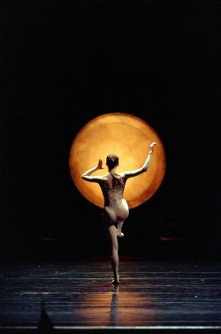 Jiri Kylian, Kaguyahime, opéra bastille, Marie-Agnès Gillot, danse, chorégraphe, contemporain, lune, japon