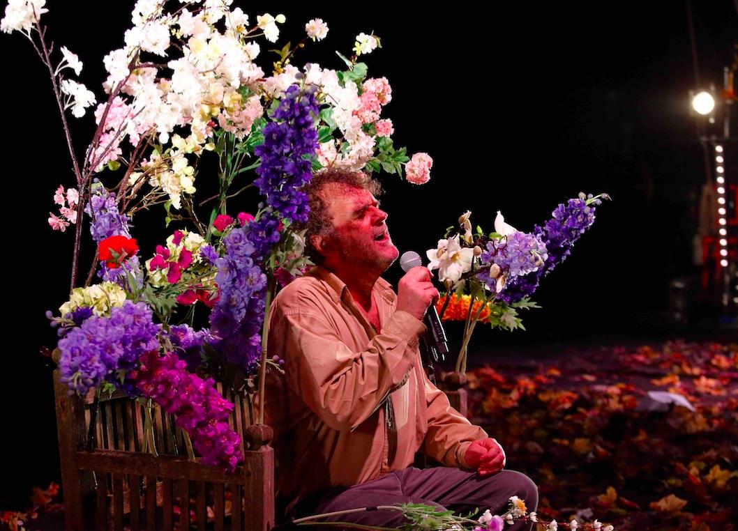 la gioia, theatre du rond-point, pippo delbono, bobo, hommage, joie, deuil, theatre italien