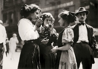 lewis hine, lewis, hine, exposition, rétrospective, fondation, fondation henri cartier bresson, hcb, paris, portrait, biographie, oeuvre, photo, photographie, photos, photographies, pique-nique