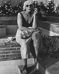 Lisette Model ; photographe ; Harpers Bazaar ; exposition, jeu de paume, rétrospective, biographie, parcours, street photography, New-York, Diane Arbus ; Promenade des Anglais ; critique ; Rogi André