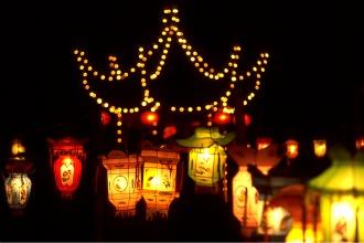 Montréal, Jardin chinois, jardin japonais, dynastie Qin, Qin Shihuangdi, Saint-Laurent, lanternes, lampions, soieries, confucionisme, Québec, Canada, lanternes, magie des lanternes, magie, jardin
