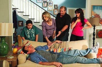 Modern family, sitcom, ABC, Christopher Lloyd, Stephen Levitan, Ed O`Neill, Julie Bowen, Sofia Vergara, Ty Burrell, Jesse Tyler Ferguson, Eric Stonestreet, série télévisée, série, série tv, famille