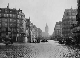 Paris inondé 1910 ; crue de la Seine ; Bibliothèque historique de la Ville de Paris ; Paris-Venise ; Apollinaire ; Kodak ; portrait dinondé ; le Cri de Paris ; Camelots du Roy ; inondation