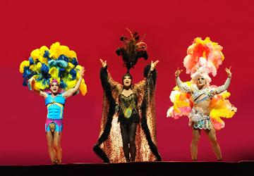 Priscilla, queen of the desert, musical, comédie musicale, london, londres, film, palace theatre, stephan elliott
