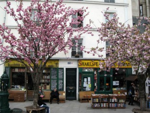 dossier librairies, shakespeare and co, paris, anglais, américain, livres, revue, écrivains, will simon, beat generation, paris, bohème, sylvia whitman, sylvia beach, joyce