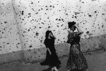 Thomas Dworzak, galerie, Magnum, photographie, photojournalisme, image, cliché, magnum gallery, exposition, photographies, parcours, biographie, caucase, géorgie, guerre, bombardements