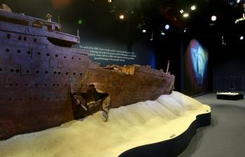 titanic, titanic l`exposition, paris expo, porte versaille, exposition, objets, objet, naufrage, insubmersible, paquebot, 1912, épave, sous-marin, collection, histoire, civilisation